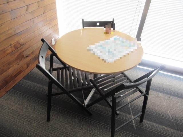 丸テーブル・チェア一式を買取させていただきました。